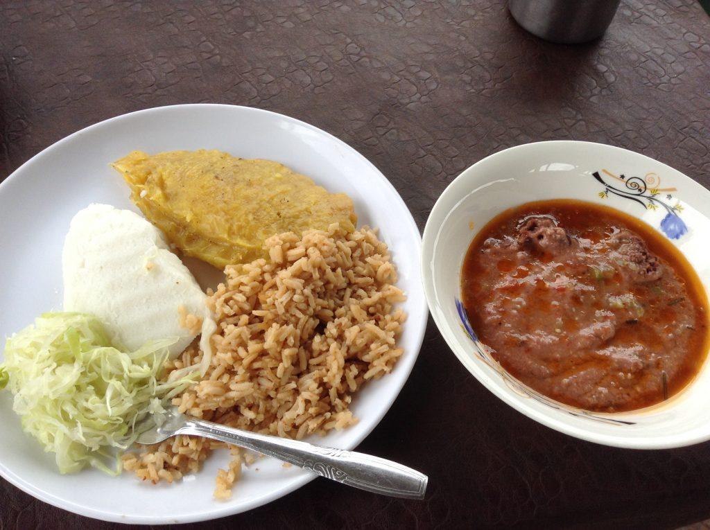 ウガンダの伝統食